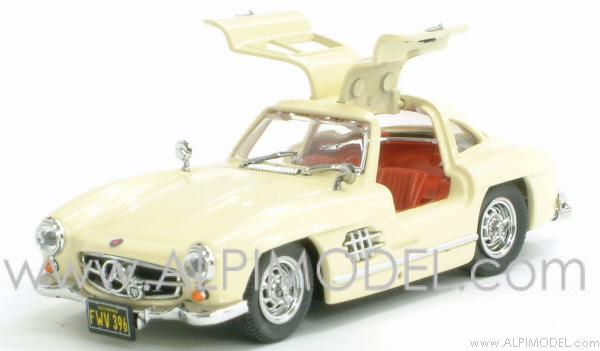 Mercedes 300 SL 1954 gullwing street (Ivory) by bang