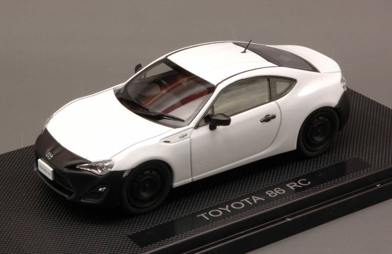 Toyota 86 RC (White) by ebbro