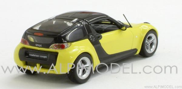 Smart Roadster coupe 2002 (Yellow/Black). - minichamps