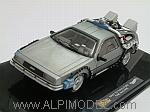 De Lorean Back To The Future Time Machine by HOT WHEELS.